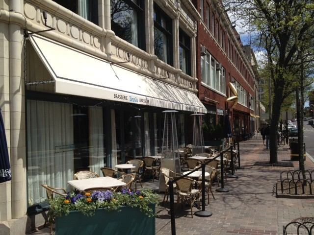 Bravo BrasserieBravo is an American bistro inspired by French cafes, in the heart of downtown. Enjoy a meal at a sidewalk table, or stop by before a show. Bravo offers complementary valet parking. 123 Empire Street, Providence. 490-5112