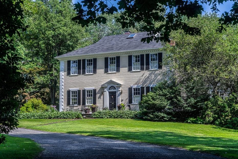 Huge Private Seekonk Home Has Pool And Guest House Rhodybeat