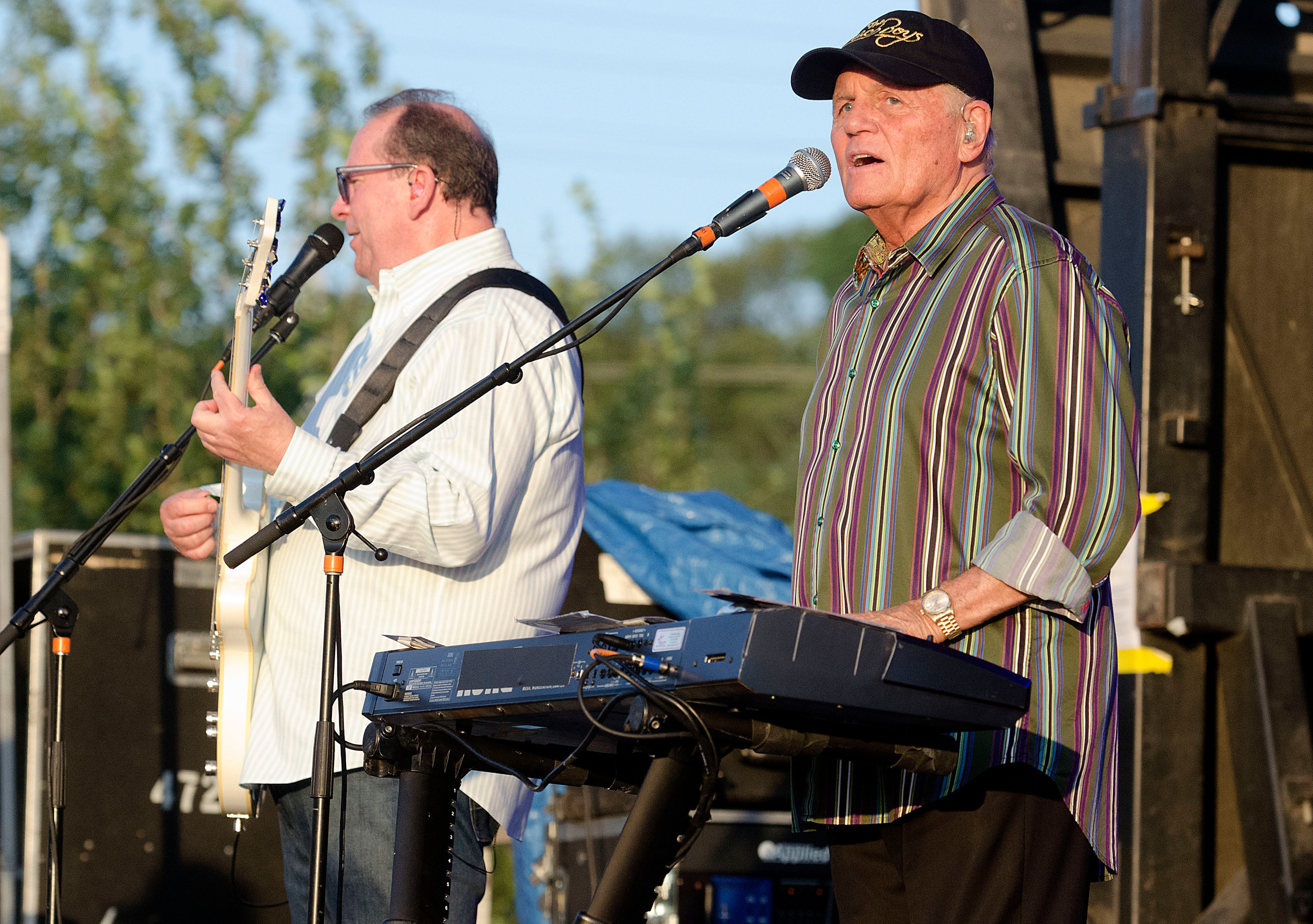 "Bruce Johnston on keyboards (right) plays ""Catch a Wave."""