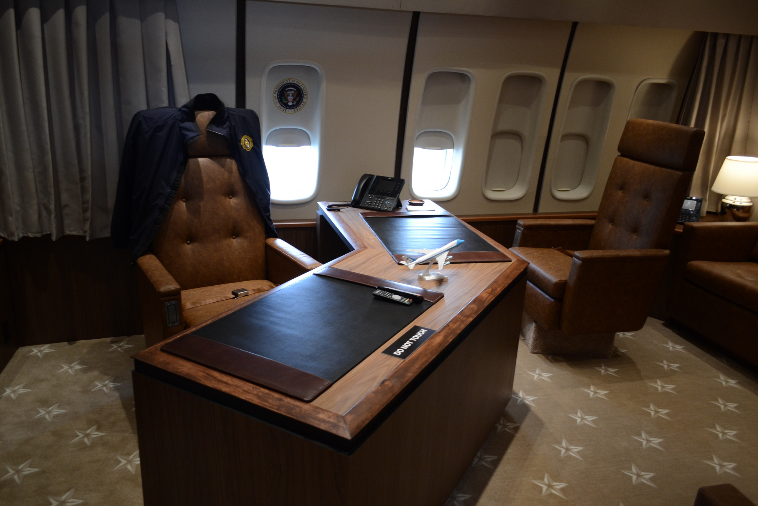 The Replica Air Force One Jet Includes Exact Recreations Of The Rooms Inside  The Presidentu0027s Plane