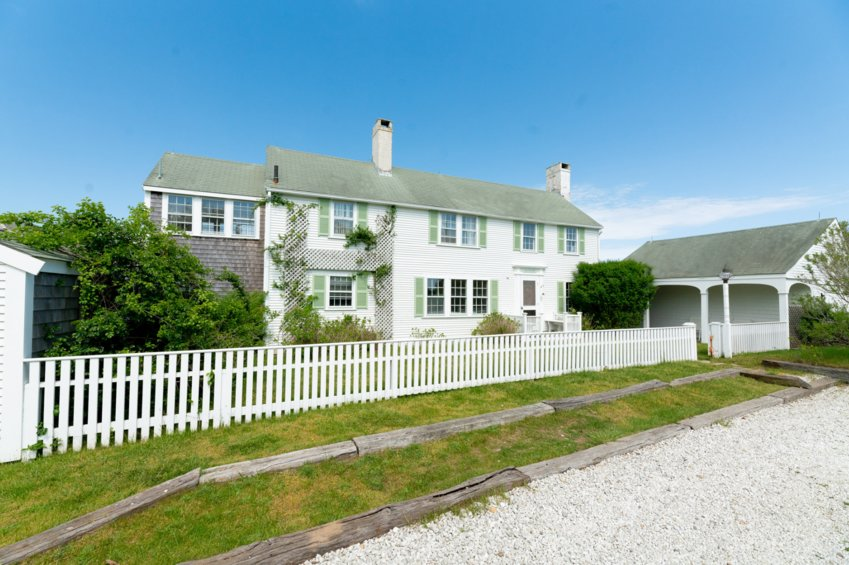 The Monomoy Road home, built in 1925, is close to family-friendly beaches and the island's best bike paths, and is a short drive from downtown.