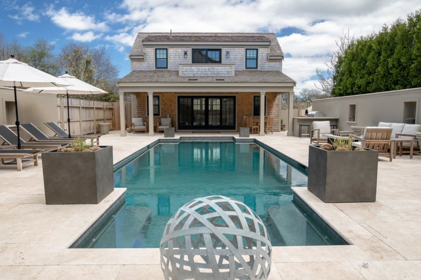 This newly-built family compound, just a short walk, bike ride or drive to the heart of the historic district, leaves no stone unturned.