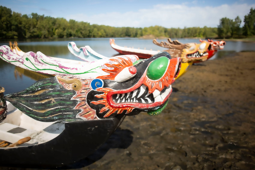The dragon boats originates approximately 2,000 years ago. It's commonly believed the boats were created to honor the death of a famous Chinese poet and politician named Qu Yuan.