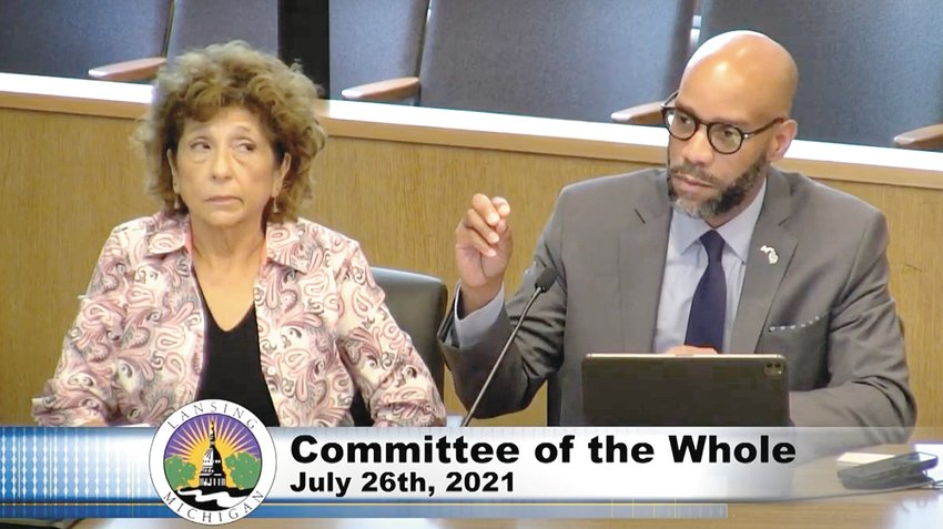 Human Resources Director Linda Sanchez-Gazella and Paul Elam, of the Michigan Public Health Institute, present a staff survey on racial equity to the City Council.