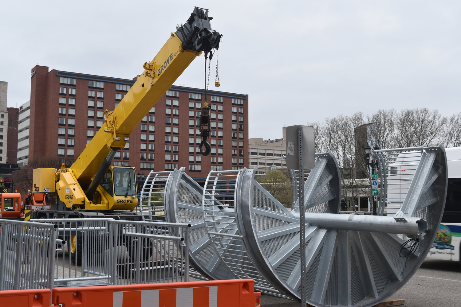 River Trail receives 10,000 lb  steel spiral staircase on