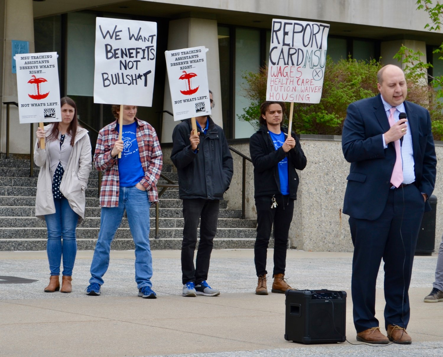 Msu Student Info >> Msu Graduate Student Union Rallies For Bigger Paychecks