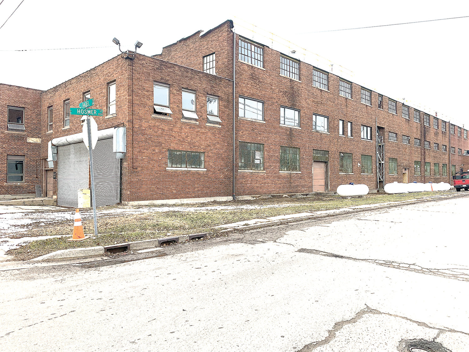 Arbor Farm, the company behind one of the first licensed recreational pot shops in Michigan, is in the midst of renovating a 144,000-square-foot industrial space to house up to 15,000 plants on the corner of Hazel and Hosmer streets.