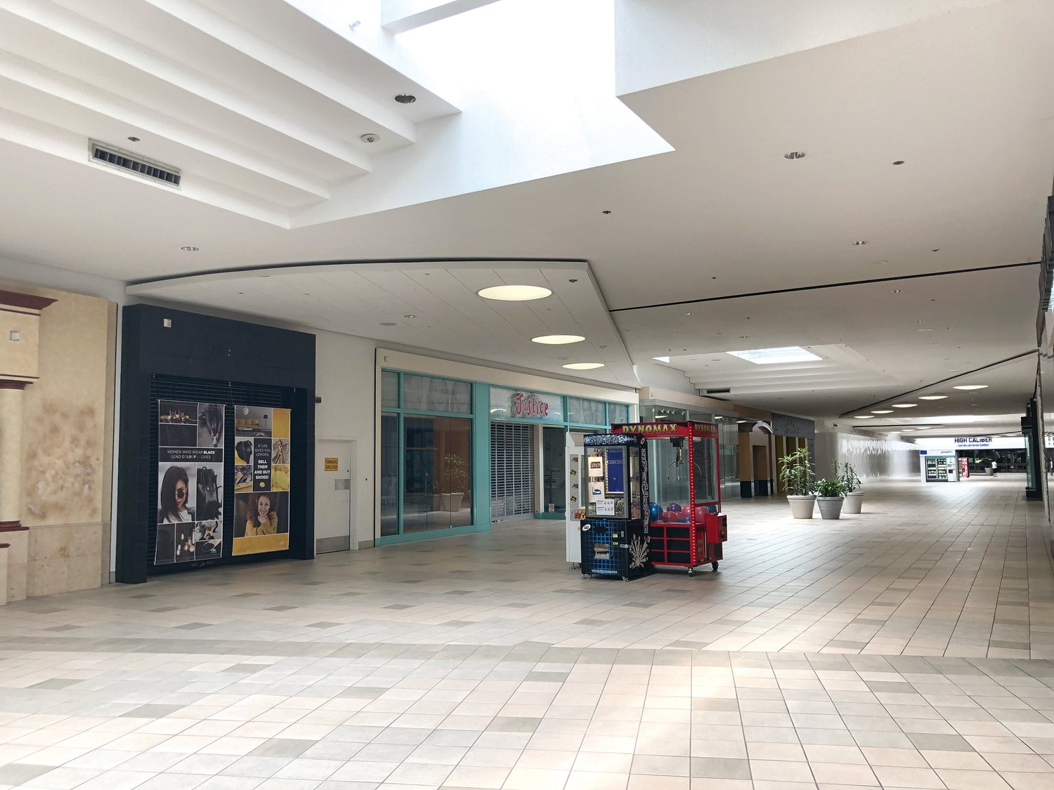 A wing of the Meridian Mall.
