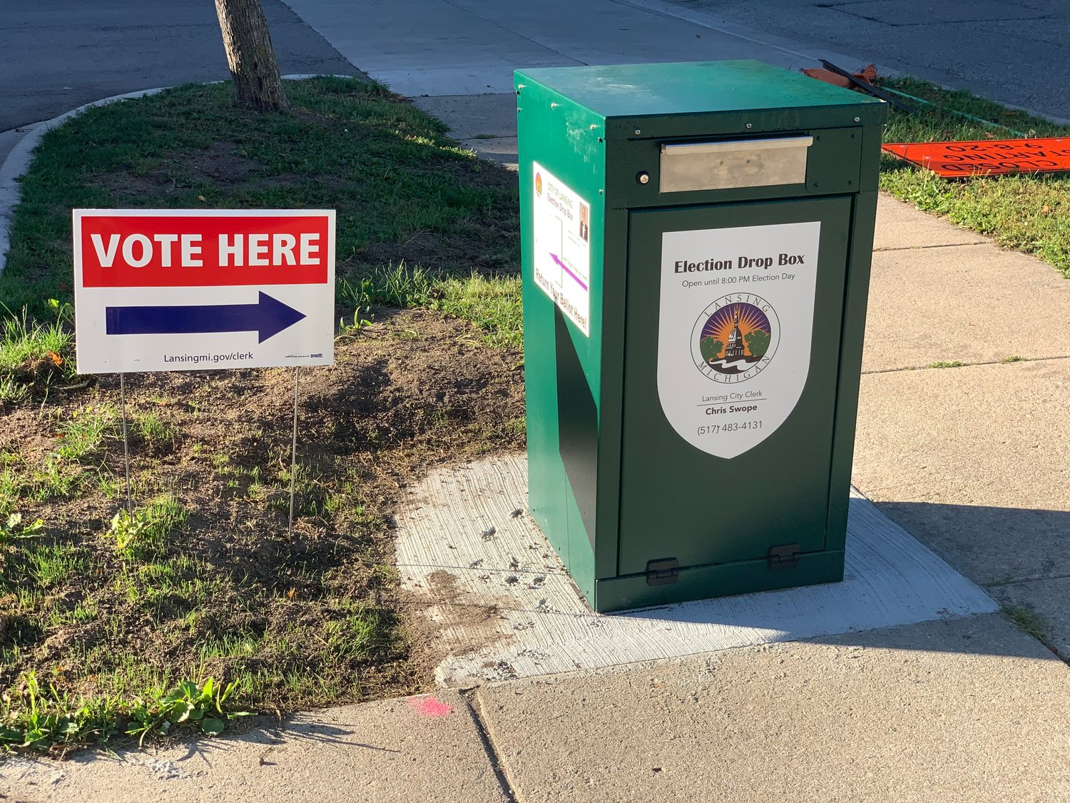A city of Lansing drop box at Foster Community Center is open again after maintenance issues.