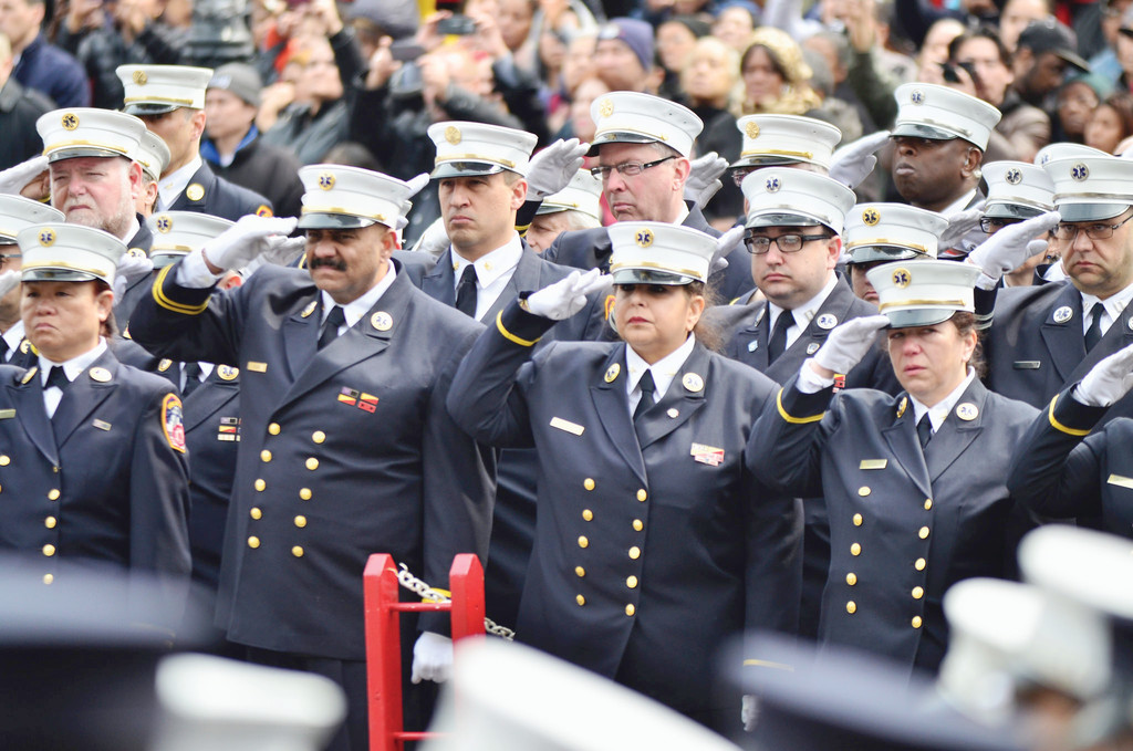 Funeral Held for Bronx EMT | Catholic New York