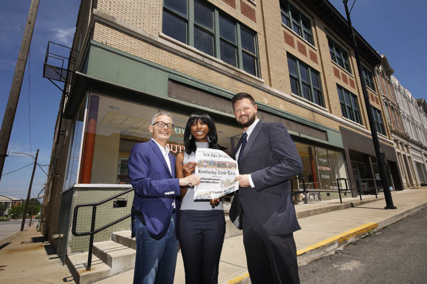 Hopkinsville businessman Hal McCoy (left) along with New Era editor Zirconia Alleyne and publisher Brandon Cox announce the future location of the Kentucky New Era in downtown Hopkinsville. (Photo provided)