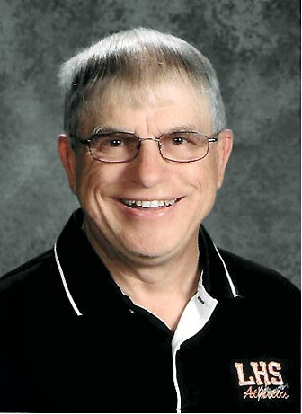 Former Lincolnwood teacher and athletic director Verne Pinkston received the Class 1A/2A Friends of Athletics Award from Division 6 of the Illinois Athletic Directors Association.