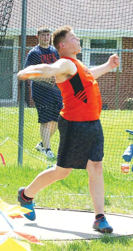 "Hillsboro freshman Magnus Wells threw 114'5"" in the discus to place fifth at the South Central Conference Meet in Hillsboro on May 6. Wells also placed fifth in the shot put, throwing 39'0""."