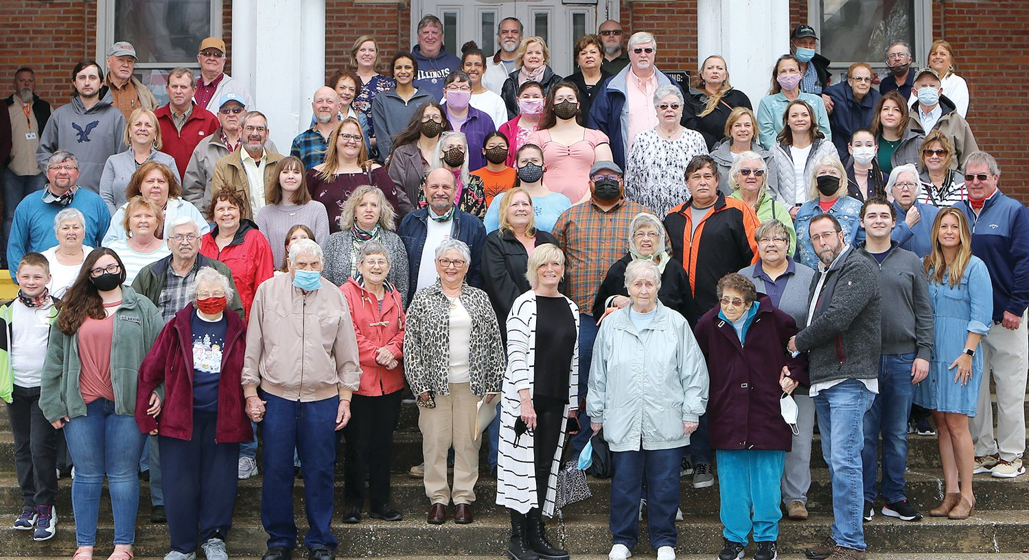 Descendants of original settlers of the county who still call Montgomery County home were honored during a bicentennial event on Saturday, April 10, at the Historic Courthouse in Hillsboro.  Each family was presented with a certificate and had a family photo taken.