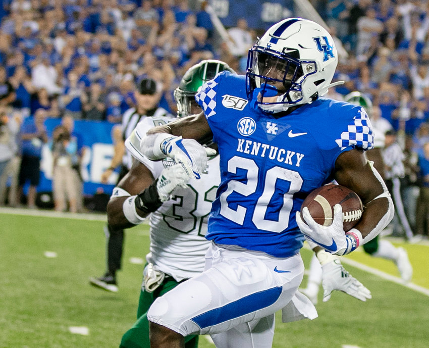 Kavosiey Smoke leads Kentucky in rushing and had a career-high 16 attempts against Florida last week. Smoke had 81 yards against the Gators. (Kentucky Today/Keith Taylor)