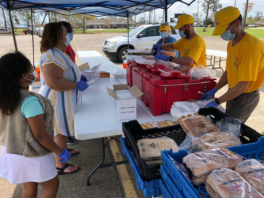 Volunteers with Louisiana Disaster Relief provide meals for victims of Hurricane Laura last weekend. (Baptist Press photo)