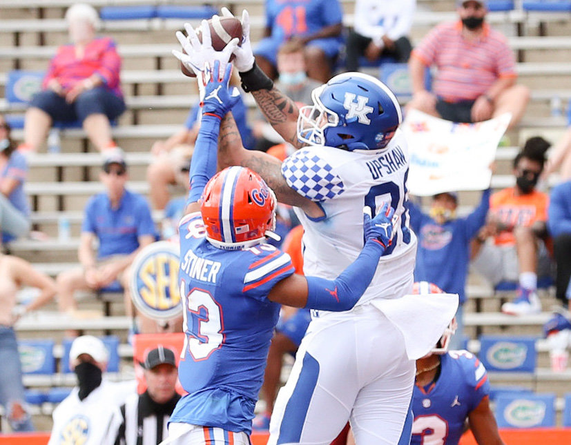 Keaton Upshaw hauls in a touchdown pass in the first half of a 34-10 loss to Florida Saturday in Gainesville. (SEC Photo)
