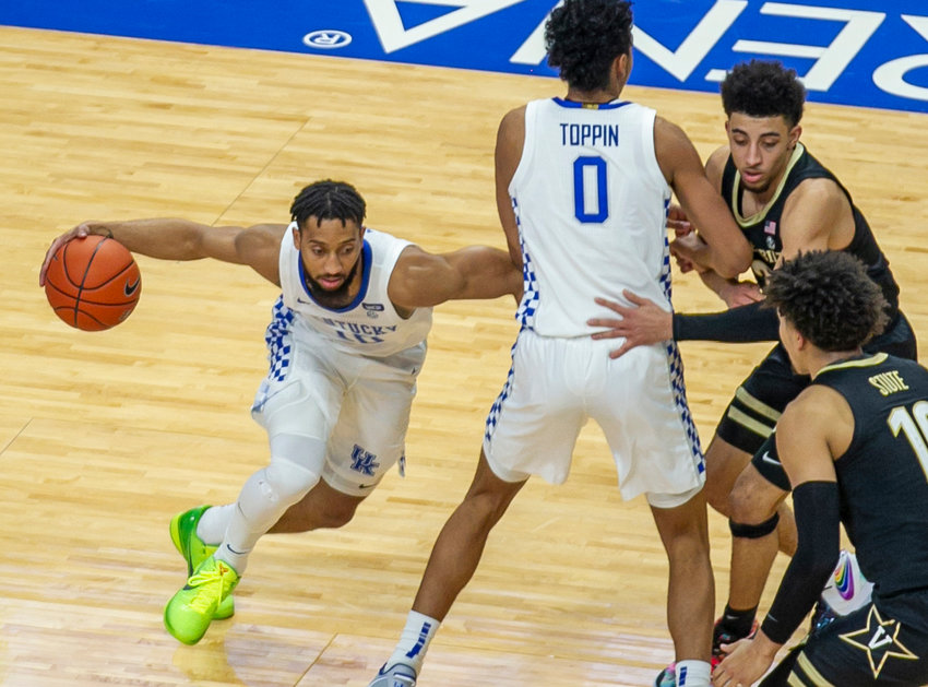 Kentucky's Davion Mintz makes a move behind Jacob Toppin's screen in a 77-74 win over Vanderbilt last year at Rupp Arena. (Kentucky Today/Tammie Brown)