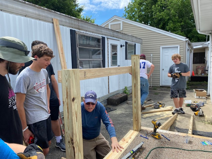 Love Loud projects have been ongoing this week in the Barren, Metcalfe and Hart counties.