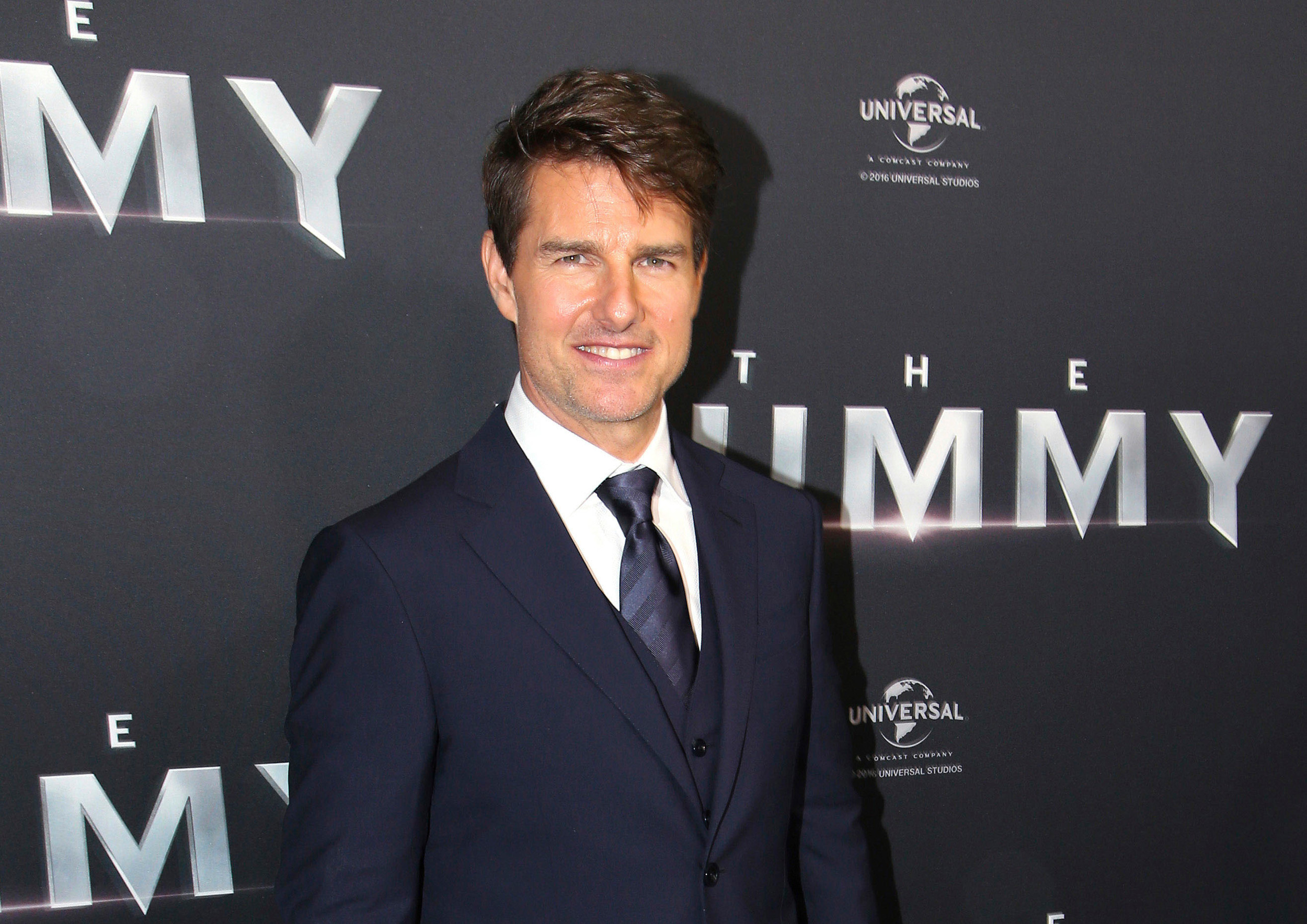 Tom Cruise confirms 'Top Gun 2' is a go