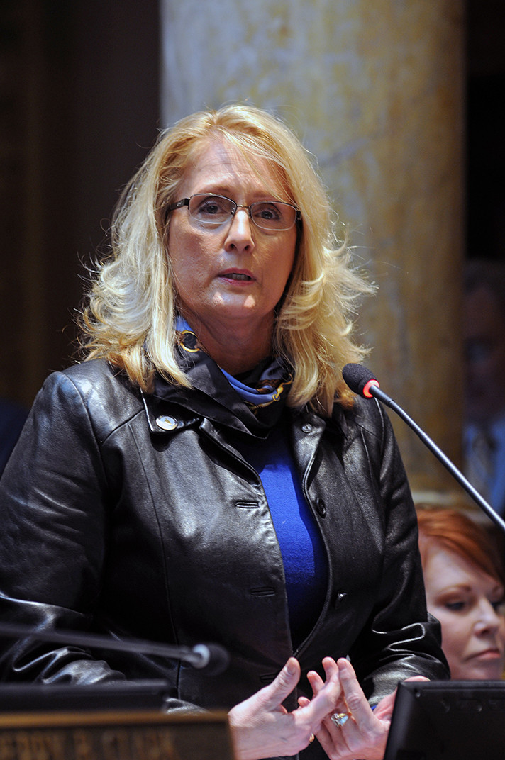 Sen. Robin Webb, D-Grayson, speaks in the Senate about the process of crafting the budget on Feb. 6. Webb is asking for an investigation into the Humane Society of the United States by Attorneys General. (LRC photo)