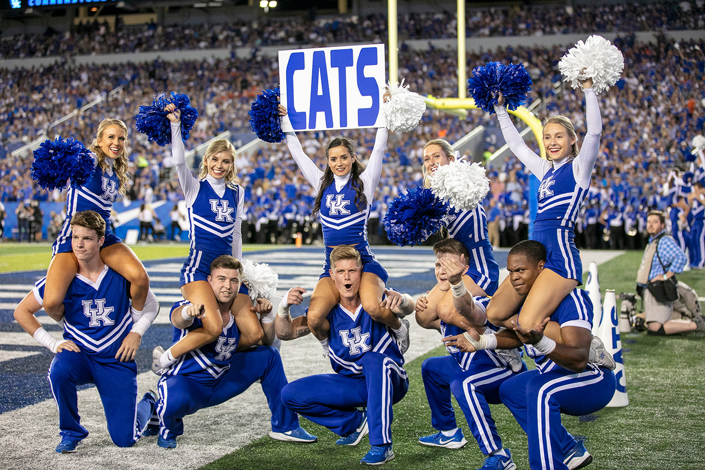 UK cheerleaders on the sidelines. (Kentucky Today/Tammie Brown)