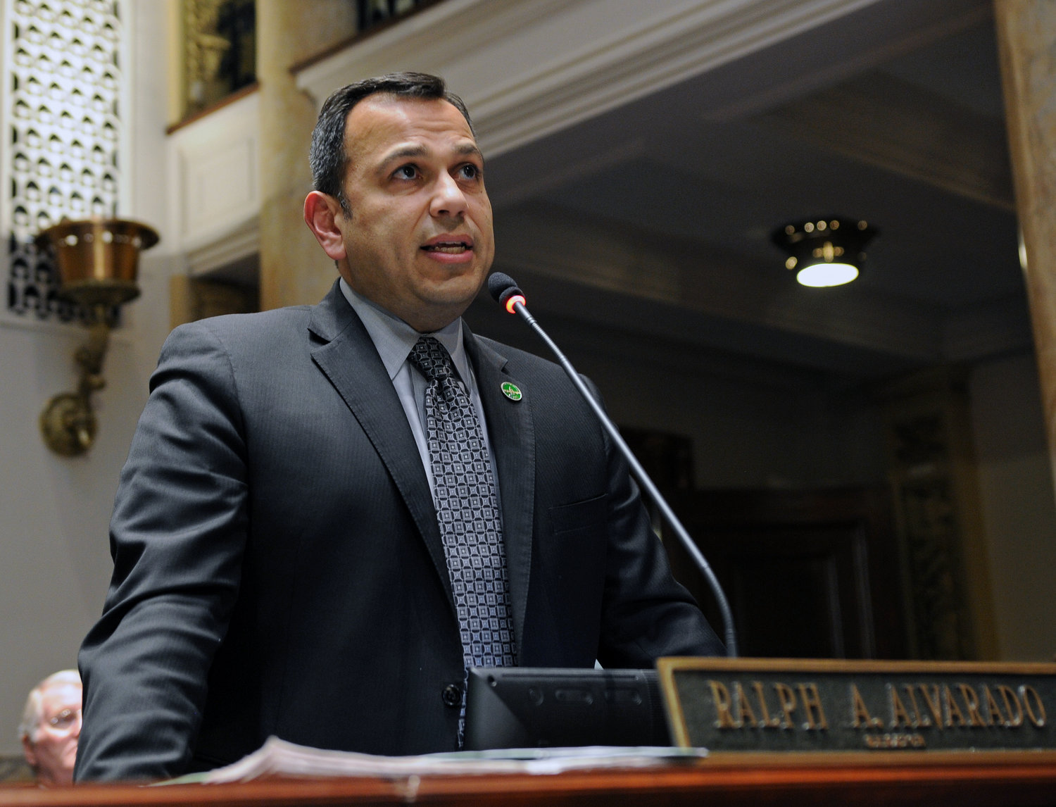 Sen. Ralph Alvarado, R-Winchester, is proposing legislation to expand of those eligible for absentee voting. (LRC photo)