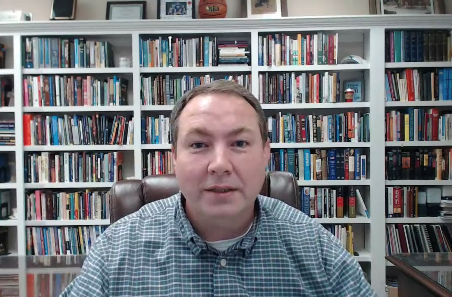 Dr. Kevin Maples, the pastor of Madisonville First Baptist Church, is asking church members to host watch parties in their home when Dr. Todd Gray of the Kentucky Baptist Convention delivers an evangelistic message on Oct. 24 that will be available on website and Facebook. (Screen shot from Madisonville service)