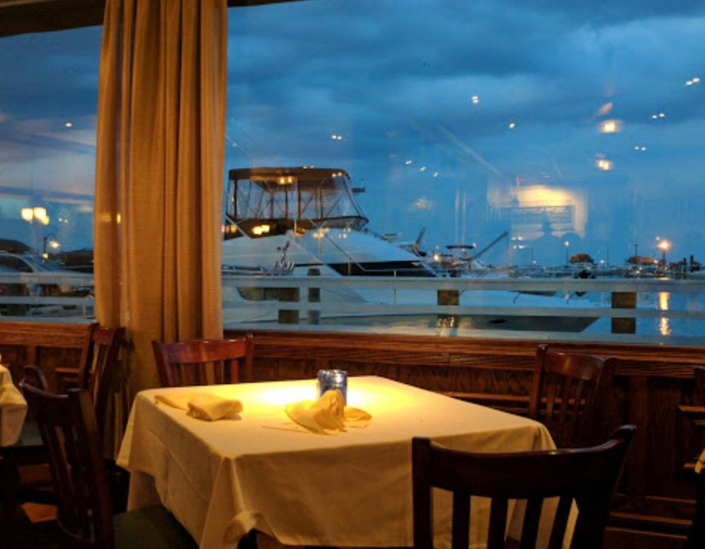 Captain Bill's in Bay Shore is offering items to start from New England clam chowder to artichoke and spinach dip and entrees like blackened tuna and prime rib then toasted pound cake, bread pudding or an apple crisp for dessert as part of their restaurant week prix fixe menu.