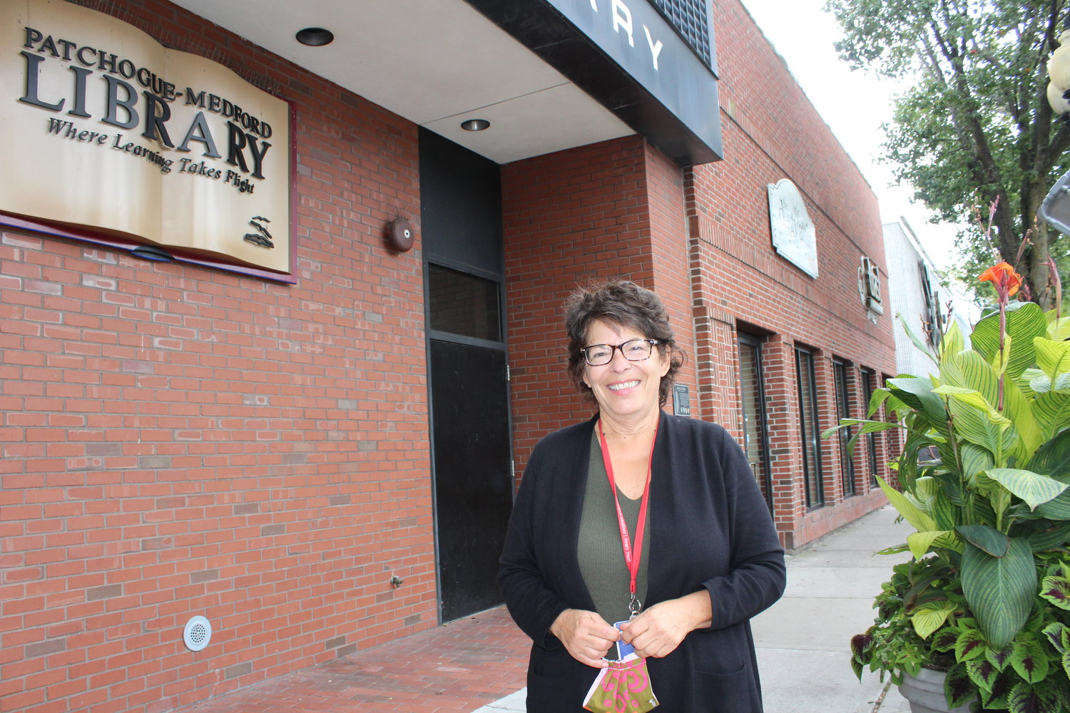 Spanish Outreach librarian Jean Kaleda, who started her department, is retiring from the Patchogue-Medford Library on Friday.