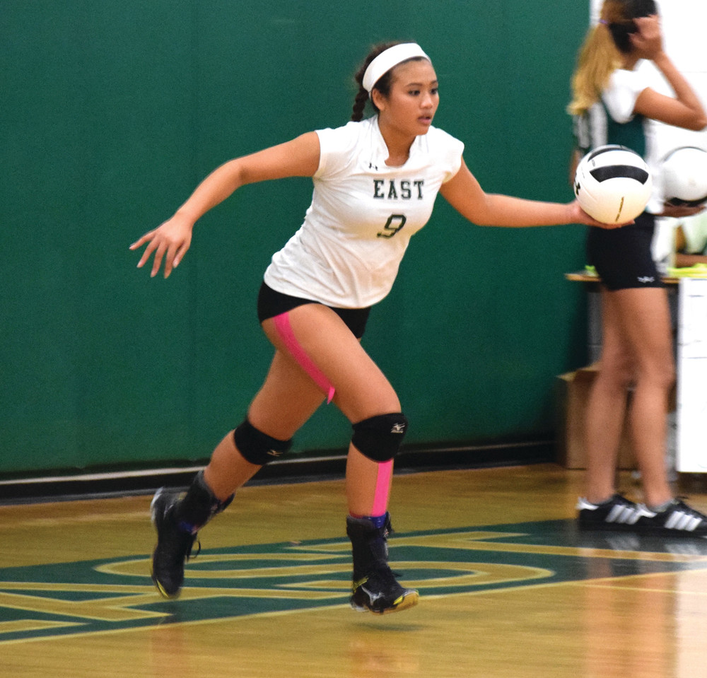 NO RETURN POLICY: Amanda Hay's strong serving was on display on Thursday as the 'Bolts swept the Northmen.