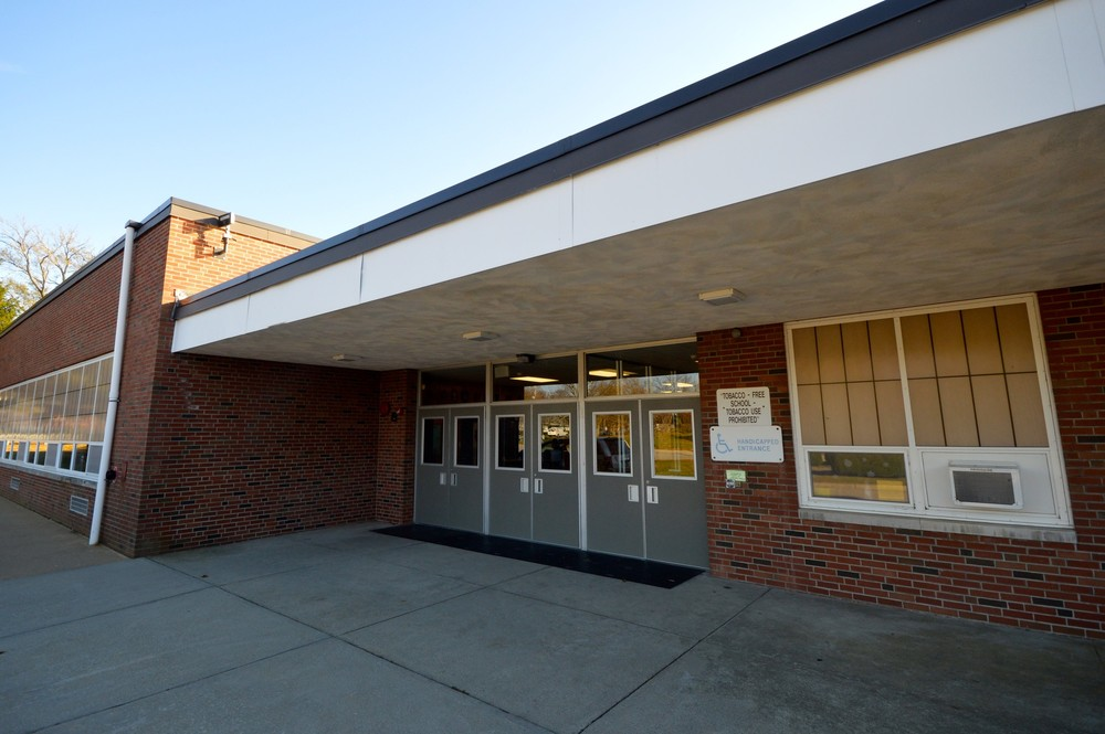 Melville School, one of Portsmouth's two public elementary schools, would add three fourth-grade classrooms if a plan being studied by the district were approved.