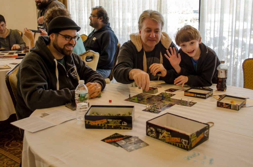 Play some games at Captaincon