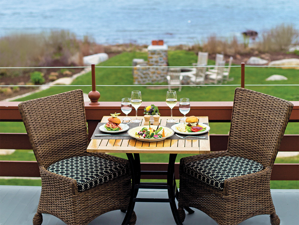 Enjoy delicious outdoor dining at The Weekapaug Inn