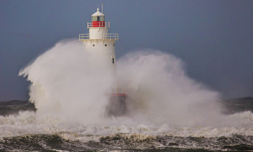 The Sakonnet Light weathers another shot from the Atlantic. Mike Cohea photo.