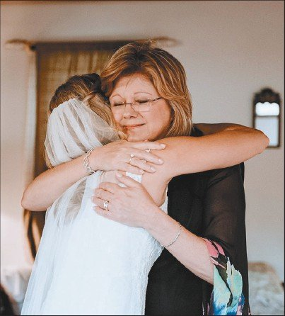 Marti Brauer, right, and her daughter, Katie Brauer Trapanese.
