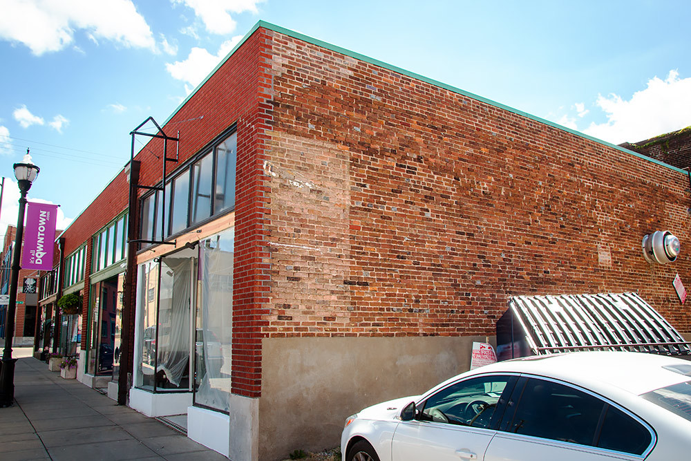 The owners of Tinga Tacos are targeting an Oct. 1 opening at the former Brick Slice House.
