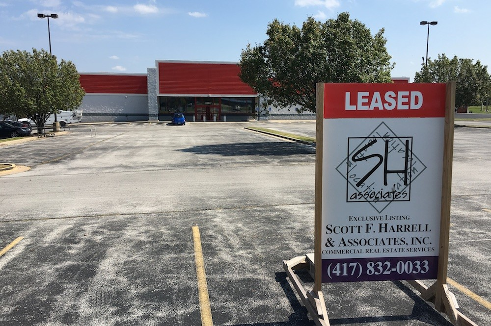Harbor Freight Tools signs a 10-year lease of the former Staples at 2636 N. Kansas Expressway.