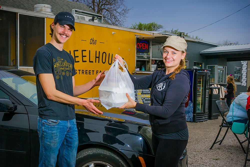 Diners dabble in delivery