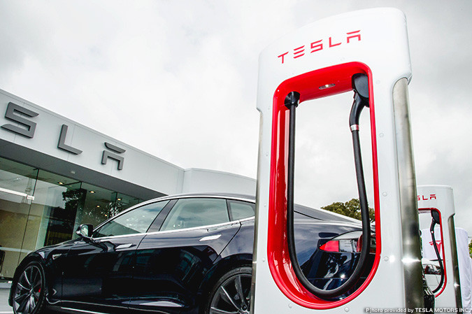charging on o reilly brings first tesla supercharger to springfield springfield business journal tesla supercharger to springfield