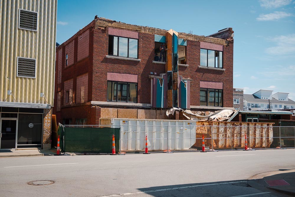 UPSCALE FLIP
