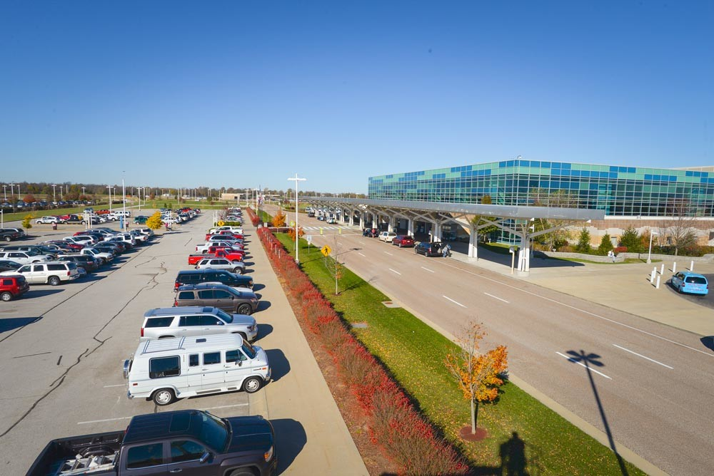 A task force is studying the city's airport governance.