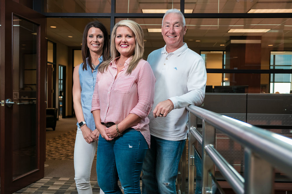 Jessie Tindall, from left, Renee Samuels and Randy Johnson are part of the OakStar Bancshares Inc. team.