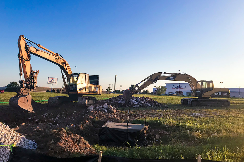 Academy Bank Springfield Mo >> Crews Break Ground On Second Springfield Zaxby S