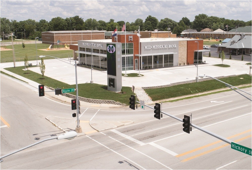Mid-Missouri Bank's new Mount Vernon branch consolidates two others in the city west of Springfield.