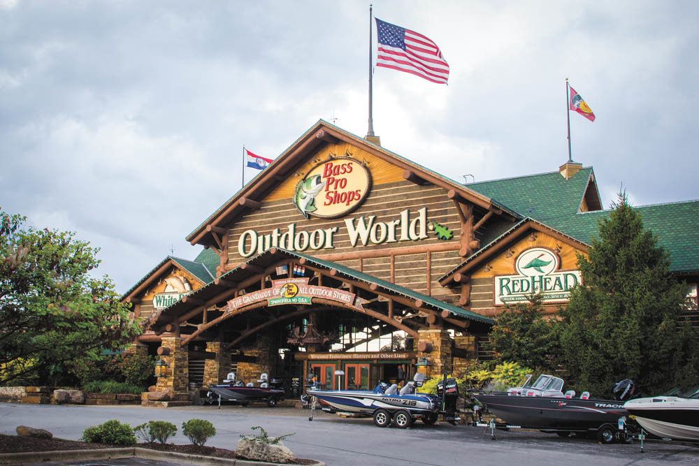 Bass Pro Shops plans to hire 7,000 seasonal workers this holiday season at its namesake and Cabela's stores.