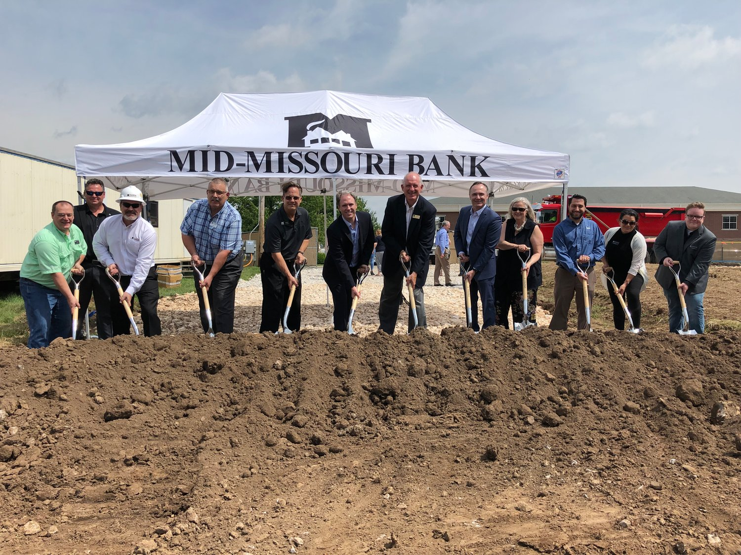 The start of construction is underway for Mid-Missouri Bank's new headquarters following this morning's groundbreaking ceremony.
