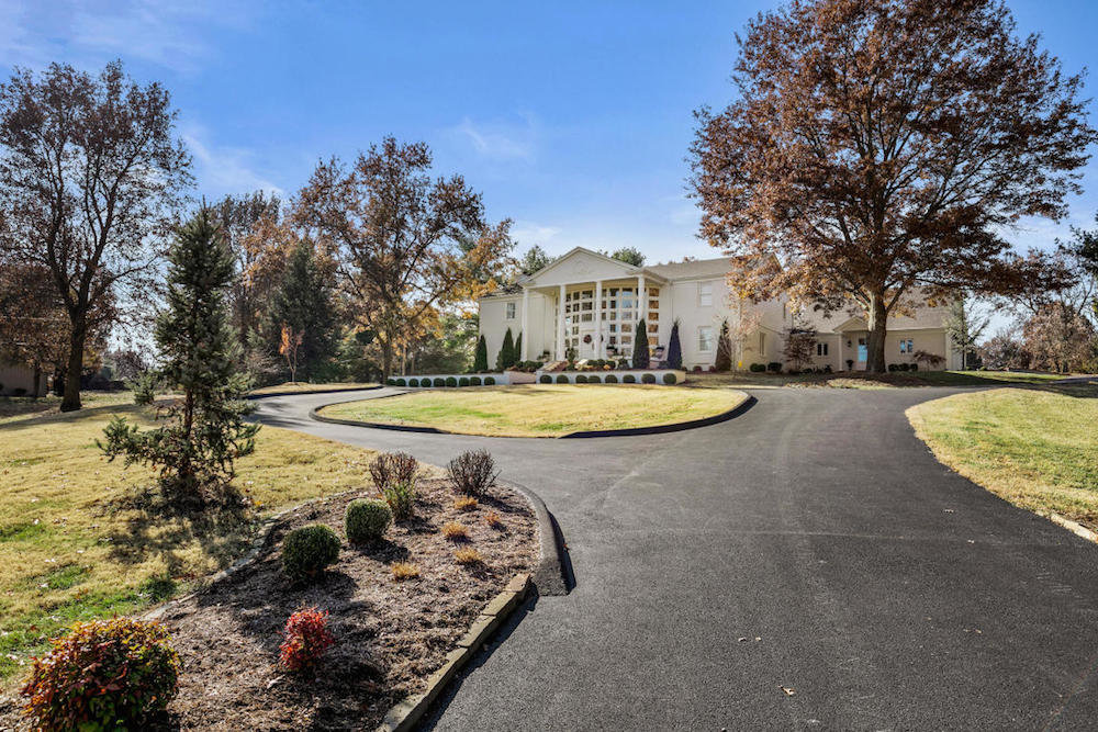 3015 S. White Oak Drive