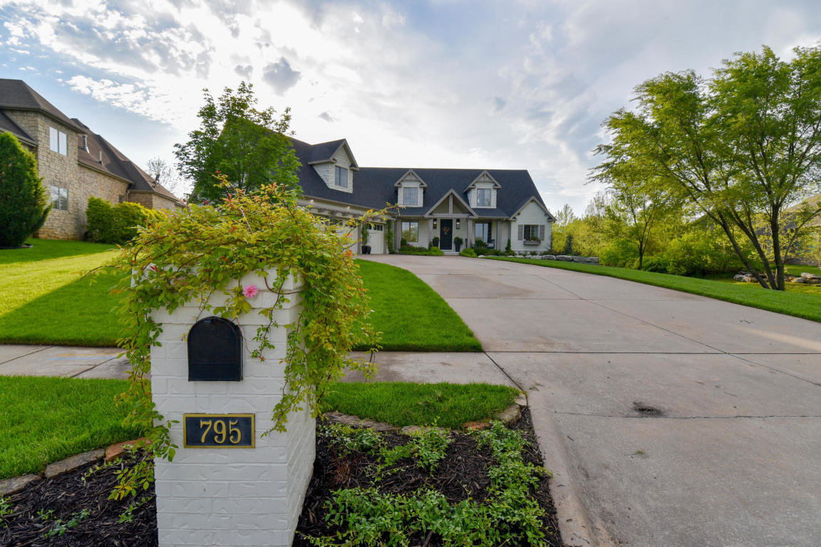 795 N. Summercreek Court