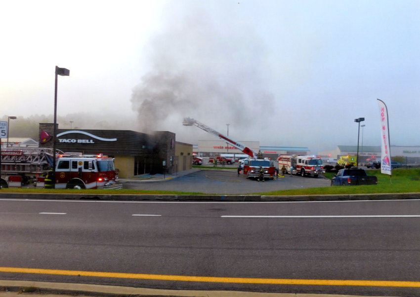 A Taco Bellrestaurant at the Route 6 mall in Honesdale, PA was the scene of an early morning fire on Sunday.
